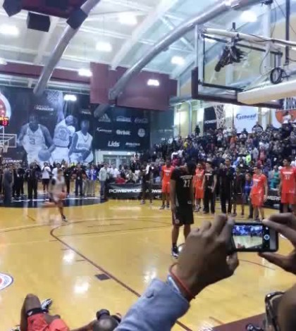 WATCH: Duke commit Grayson Allen skies over 6'11″ Jahlil Okafor to win Powerade Jam Fest